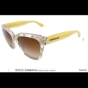 NWOT Dolce And Gabbana sunglasses. No case